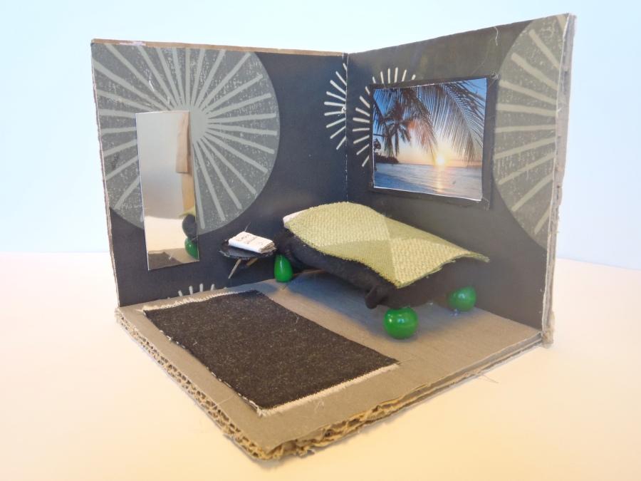 Elever jobbar i olika material och skapar rum.